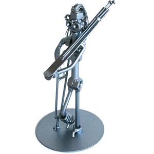 Síbalesetes hölgy / úr mankóval, Dísztárgy, Dekoráció, Otthon & Lakás, Fémmegmunkálás, Kovácsoltvas, A szoborra kérhető gravírozás is felár ellenében! \nFérfi vagy női figura rendelhető! \n\n\nMéretek:\nMag..., Meska