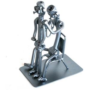 Gyermekorvos / gyermekorvosnő, Fém, Szobor, Művészet, Fémmegmunkálás, Kovácsoltvas, \nA szoborra kérhető gravírozás is felár ellenében!\nFérfi vagy női figura rendelhető!\n\n\nMéretek:\nMaga..., Meska