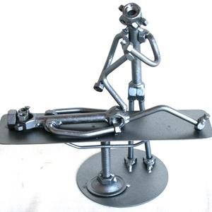 Gyógytornász, manuálterápia, fizioterapeuta, rehabilitációs szakorvos úr / hölgy, Fém, Szobor, Művészet, Fémmegmunkálás, Kovácsoltvas, A szoborra kérhető gravírozás is felár ellenében!\nFérfi vagy női figura rendelhető!\n\nMéretek:\nMagass..., Meska