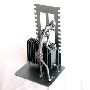 Fűtés szerelő, Otthon & Lakás, Dekoráció, Fémmegmunkálás, A szoborra kérhető gravírozás is felár ellenében!\nMéretek:\nMagasság: 210 mm\nHossz: 130 mm\nSzélesség:..., Meska