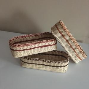 Papírzsebkendő tartó kosár, Tárolókosár, Tárolás & Rendszerezés, Otthon & Lakás, Fonás (csuhé, gyékény, stb.), A 25x9x8 cm-es keskeny, téglalap alakú kosarak, pont egy 100db-os papír zsebkendő tárolására alkalma..., Meska