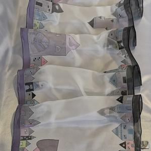 Hundertwasser ihlette selyemsál - szürke, Táska, Divat & Szépség, Sál, sapka, kesztyű, Ruha, divat, Sál, Selyemfestés, A képen látható selyemsál elkészítéséhez Hundertwasser képei adtak ötletet. A sál mintáját magam raj..., Meska