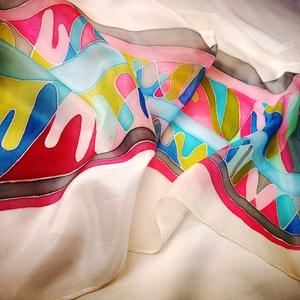 Tavaszi fuvallat, Képzőművészet, Otthon & lakás, Textil, Táska, Divat & Szépség, Sál, sapka, kesztyű, Ruha, divat, Selyemfestés, Absztrakt, tavaszi hangulatú, pasztell színekben pompázó, könnyed és légies sál.\nHalvány szürke és a..., Meska