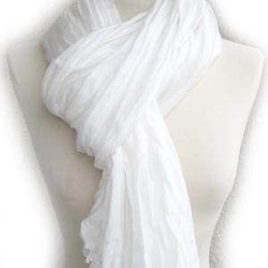 fehér selyemsál STÓLA méretben , Táska, Divat & Szépség, Női ruha, Ruha, divat, Selyemfestés, Nagyobb méret - nagyobb hatás; fehér selyemzuhatag. (A selyem természetes, kissé gyöngyházfényű  tör..., Meska