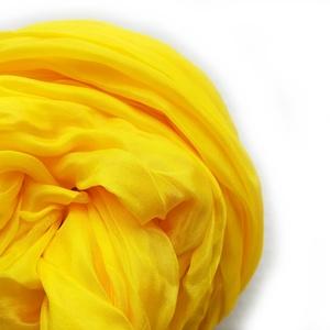 sárga selyemsál STÓLA méretben, Táska, Divat & Szépség, Ruha, divat, Női ruha, Festett tárgyak, Élénk, ütős példány a sárgák kedvelőinek..\nMérete: kb90x180cm\n\nFigyelem, máshol is árulom, érdemes v..., Meska