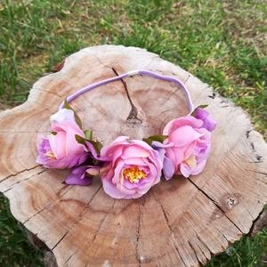 virágos hajdísz, hajgumi, Táska, Divat & Szépség, Ruha, divat, Hajbavaló, Hajgumi, Hajpánt, Virágkötés, Kedves kis hajdísz, selyemvirágból;\n jó minőségű gumipánton.\nKislánynak, nagylánynak, fiatal lelkű h..., Meska
