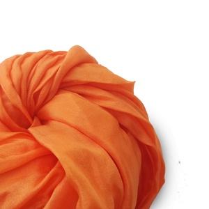 Világos narancs selyemsál STÓLA méretben, Táska, Divat & Szépség, Ruha, divat, Női ruha, Selyemfestés, Egy lágyabb árnyalat a narancsos színek kedvelőinek..\nAz anyag ugyanaz, tisztaselyem,a méret viszont..., Meska