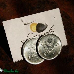 Régi tízfilléres fülbevaló újrahasznosított ékszer, Pötty fülbevaló, Fülbevaló, Ékszer, Újrahasznosított alapanyagból készült termékek, Régi, forgalomból kivont tízfilléresből készült ez a bedugós fülbevaló. \n\nA bedugós fülbevalóalap ni..., Meska