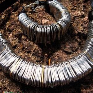 Sör nyitófülekből nyaklánc és karkötő újrahasznosított recycle ékszerszett (Laurato) - Meska.hu