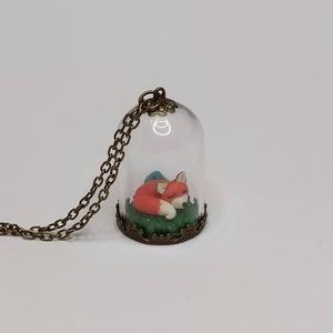 Rókás üvegmedál türkizzel, Ékszer, Nyaklánc, Medálos nyaklánc, Gyurma, Apró róka, amely elkísérhet minden utadon ebben a 3*2 cm-es üvegmedlában. A süthető gyurmából készül..., Meska