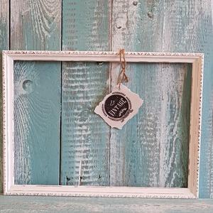 Kis képkeret koptatott, Lakberendezés, Otthon & lakás, Képkeret, tükör, Famegmunkálás, Festészet, Régi fa képkeret szerkezetileg helyreállítva, fehérre festve és vissza koptatva.\nMérete: 37cm x 28cm..., Meska