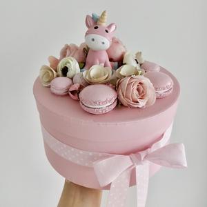 Csupa rózsaszín unikornisos babaváró ajándék, dísz, asztaldísz, dobozka, Otthon & Lakás, Dekoráció, Asztaldísz, Virágkötés, Az igazi kislányos anyukáknak szeretnék kedveskedni ezzel a termékkel. Csupa rózsaszín, de az elegán..., Meska