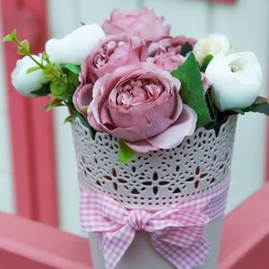 Rózsaszín virágbox pasztell rózsákkal, Otthon & Lakás, Dekoráció, Asztaldísz, Virágkötés, Valentin nap, Nőnap, Anyák napja...elegáns pasztell rózsaszín ajándék a nők megajándékozására..., Meska