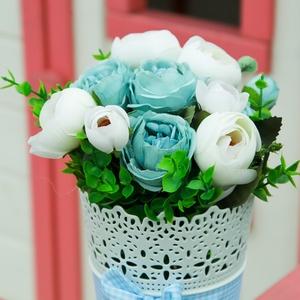 Pasztell kék rózsabox, kék rózsadoboz, Otthon & Lakás, Dekoráció, Asztaldísz, Virágkötés, Valentin napra tökéletes ajándék a pasztell kék rózsabox, Meska