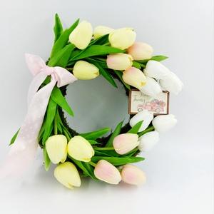 Tulipànos kopogtató, Otthon & Lakás, Dekoráció, Ajtódísz & Kopogtató, Virágkötés, Helló tavasz!\nKöszöntsd a tavaszt ezzel a frissítő kopogtatóval. \nJókedv, üdítő hangulat garantált :..., Meska