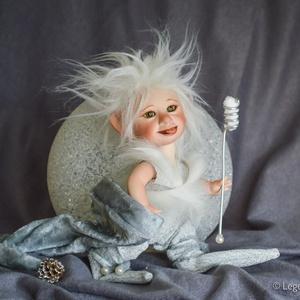 Minó - mini mágus figura mozgatható porcelánbaba kabala  (LegendLand) - Meska.hu
