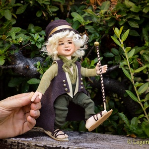 Manó figura Zakariás mozgatható porcelánbaba kabala porcelán figura porcelán baba kobold törp törpe (LegendLand) - Meska.hu