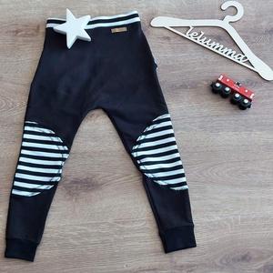 Kisfiú melegítő nadrág, fekete, Ruha & Divat, Babaruha & Gyerekruha, Nadrág, Varrás, Ezt a kisfiú melegítő nadrágot fekete színben készítettem el. Térdénél fekete-fehér csíkos térdelőve..., Meska