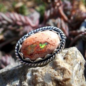 Ezüst Mexikói Boulder Opál gyűrű, Ékszer, Gyűrű, Ékszerkészítés, Ötvös, Mexikói Boulder Opál ezüstbe foglalva. \n\nTöbb Opál kövem van, méretre készíthetőek a gyűrűk. \n\nEzüst..., Meska