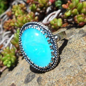 Ezüst Perui kék Opál gyűrű, Statement gyűrű, Gyűrű, Ékszer, Ékszerkészítés, Ötvös, Ausztrál Perui kék Opál ezüstbe foglalva.  Extra kék szín, természetes opál.\n\nEzüstékszereimet hagyo..., Meska