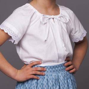 Húzott blúz -viseleti, Táska, Divat & Szépség, Gyerekruha, Ruha, divat, Gyerek & játék, Gyerek (1-10 év), Varrás, Húzott nyakú viseleti blúz ,néptánc blúz \nFazonja miatt évekig jól kihasználható \nA képen látható te..., Meska
