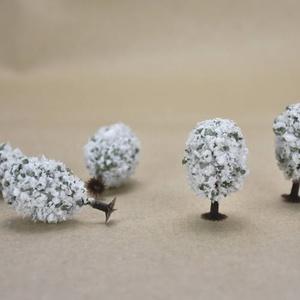 Manó - Tündér   modell növény, fehér virágos fa 4cm 5db/cs. - SOK FAJTA MANÓ TERMÉKEM VAN !!!!!., Dekorációs kellékek, Figurák, Famegmunkálás, Manó - tündér  modell növény, fehér virágos fa 4cm 5db/csomag  Személyes átvételre a 6.ker.Oktogon ..., Alkotók boltja
