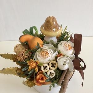 Őszi gombás asztaldísz, Otthon & Lakás, Dekoráció, Asztaldísz, Virágkötés, Az ősz szép színeivel díszített dekoratív  asztaldísz. Mérete: 18 x 15 cm., Meska