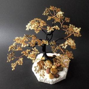 Arany-bronz gyöngyfa, Otthon & lakás, Dekoráció, Dísz, Képzőművészet, Szobor, Gyöngyfűzés, gyöngyhímzés, Itt is a mérettől függ az ár. A képen egy 15 cm-es darab szerepel, amelynek ára 7000 Ft., Meska