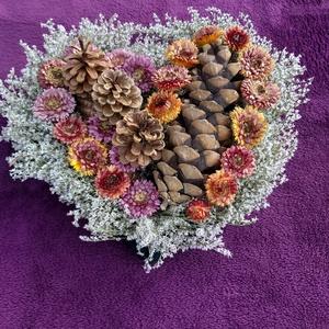 Szív alakú sírdísz száraz virágokból, Egyéb, Virágkötés, Mindenmás, Egy sírdísz egész évben aktuális, de most Halottak napja közeledtével méginkább.Szív alakú drótvázat..., Meska