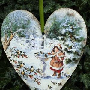 Téli  sziv, Dekoráció, Otthon & lakás, Karácsony, Ünnepi dekoráció, Karácsonyfadísz, Karácsonyi dekoráció, Festészet, Decoupage, transzfer és szalvétatechnika, Szív alakú karácsonyi táblácska.A lakás bármely részének tökéletes ünnepi kiegészítője.Adhatjuk aján..., Meska