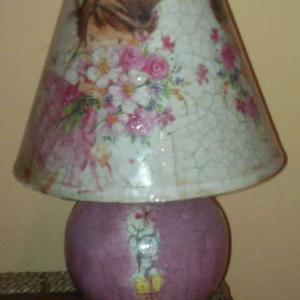 Asztali lámpa , Asztali lámpa, Lámpa, Otthon & Lakás, Decoupage, transzfer és szalvétatechnika, Bármilyen mintával elkészítem 2 nap alatt. A lámpa mérete:18x23 cm\nA lámpa alja porcelán a teteje vá..., Meska