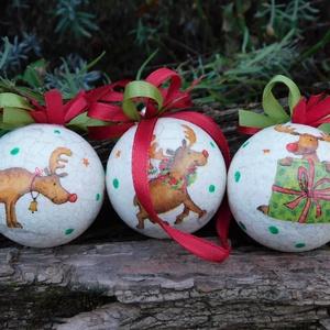 Karácsonyi dísz , Karácsonyfadísz, Karácsony & Mikulás, Otthon & Lakás, Festészet, Decoupage, transzfer és szalvétatechnika, Stiropor gömbre festett 3d hatású repesztett felületű karácsonyi gömb.\nTökéletes lehet ablakokba,ajt..., Meska