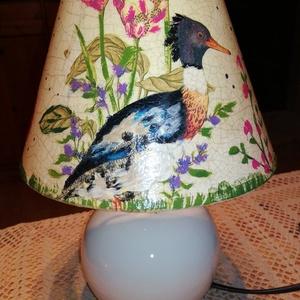 Tóparti idill lámpa , Dekoráció, Otthon & lakás, Egyéb, Lakberendezés, Decoupage, transzfer és szalvétatechnika, Festészet, Asztali lámpa,krém zsínű kerámia talpal. A lámpa búrája festett és repedezett felületű. A lámpa mére..., Meska