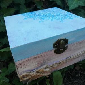 Türkiz szerelem, Doboz, Tárolás & Rendszerezés, Otthon & Lakás, Festészet, Festett fa dobozka vidám mandala mintával.15x15x6 cm es mérettel.A dobozka a lakkrétegnek köszönhető..., Meska