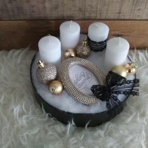 Modern csajos adventi box , Otthon & Lakás, Karácsony & Mikulás, Adventi koszorú, Mindenmás, EGYETLEN DARAB! Fehér-fekete-arany színvilágú adventi box gömbökkel, strasszos dísszel.\nMéret. kb. 2..., Meska