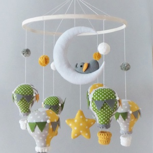 Ballon tánc-kis elefántos babaforgó, Játék & Gyerek, 3 éves kor alattiaknak, Kiságyforgó, Varrás, Bájos babaforgó gyönyörű hőlégballonokkal, pomponokkal és egy holdon hintázó kiselefánttal.\nA mobil ..., Meska