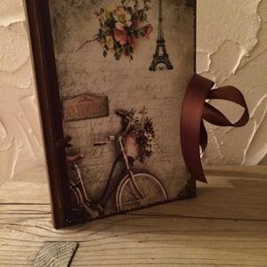 Párizsos napló a legféltettebb titkaidnak, Otthon & lakás, Dekoráció, Naptár, képeslap, album, Jegyzetfüzet, napló, Könyvkötés, Decoupage, transzfer és szalvétatechnika, Ez a napló nagyszerű választás bármilyen alkalomra ajándékként , de persze saját részre is :)\nTeljes..., Meska