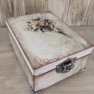 Vintage ékszertartó, Ékszer, Ékszerdoboz, Ékszertartó, Ezt a dobozkát igazi vintage stílusba öltöztettem, gyönyörú kiegészítője lehet lakásodnak, de termés..., Meska