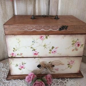 Vintage ékszertartó, Ékszer, Ékszertartó, Ékszerdoboz, Ezt a dobozkát igazi vintage stílusba öltöztettem, gyönyörú kiegészítője lehet lakásodnak, de termés..., Meska