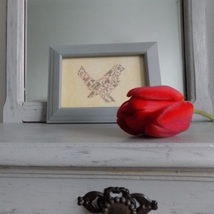 Tavaszi madárka, Otthon & Lakás, Dekoráció, Szürke keretbe foglalt szabadság :-) Előszobába képzelem el, de bárhova helyezheted otthonodban. A h..., Meska