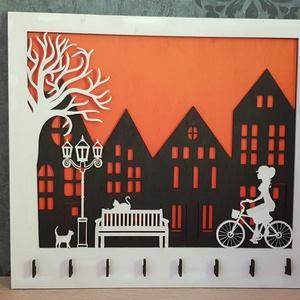 """Fali kulcstartó \""""Kerékpárral a naplementében\"""", Romantikus ajándék kulcstartó, Kerékpáros ajándék, Kulcstartó szekrény, Bútor, Otthon & Lakás, Famegmunkálás, Festett tárgyak, Ez a gyönyörű környezetbarát fali kulcstartó ideális születésnapokra, anyák napjára, új otthonra, bi..., Meska"""