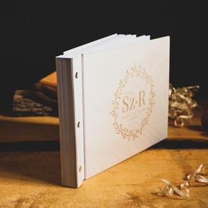 Fotóalbum, A4 méretben, fényképalbum, esküvői fotóalbum, fotókönyv fehér borítóval, Album & Fotóalbum, Emlék & Ajándék, Esküvő, Famegmunkálás, Könyvkötés, A4 méretben (30 x 21 cm).\nVastag, vagy sok fotó beragasztásához. Dupla gerinccel készítem, így a fot..., Meska