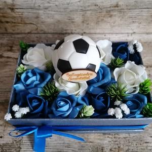 Ballagási box focis, Otthon & lakás, Dekoráció, Ünnepi dekoráció, Ballagás, Mindenmás, Ballagási ajándék fiúknak, Meska