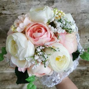 Menyasszonyi örök csokor esküvőre selyem virágokból, Esküvő, Menyasszonyi- és dobócsokor, Minőségi selyemvirágból készült boglárka csokor esküvőre, Meska