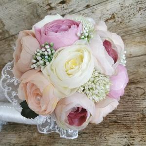Menyasszonyi örök csokor, Esküvő, Menyasszonyi- és dobócsokor, Minőségi selyemvirágokból készült esküvői csokor.Mivel megrendelésre készülnek  a termékek az elkész..., Meska