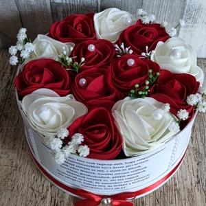 Szülőköszöntő virágbox esküvőre egyedi felirattal piros-fehér, Esküvő, Emlék & Ajándék, Szülőköszöntő ajándék,  Mivel megrendelésre készülnek a termékek így készleten nincsenek az elkészítési idő kb 10 munkanap ..., Meska