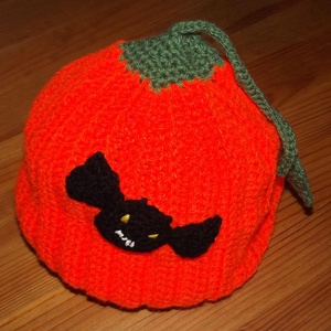Tökjó töksapi Halloweenre, Gyerek & játék, Táska, Divat & Szépség, Gyerekruha, Ruha, divat, Gyerek (1-10 év), Horgolás, A sapi 1,5-2 éves gyerek mérete, de megrendelésre bármilyen méretben rendelhető. \nAnyaga: 100 % acry..., Meska