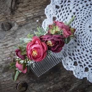 Menyasszonyi hajdísz , esküvői fejdísz, Esküvő, Hajdísz, ruhadísz, Mindenmás, Virágkötés, Minőségi selyemvirágokból, műanyag fésűre kszítettem ezt a bordó-mályva hajdíszt. Ajándékba is adha..., Meska