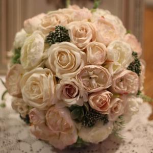 Menyasszonyi csokor, örök csokor , örökcsokor, Esküvő, Menyasszonyi- és dobócsokor, Virágkötés, Mindenmás, Pasztell rózsákból és boglárkákból készült menyasszonyi csokor. Minden termékem minőségi selyem virá..., Meska