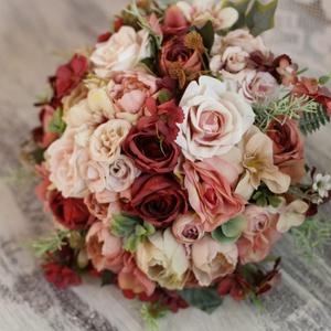 Örök csokor, menyasszonyi csokor, Esküvő, Menyasszonyi- és dobócsokor, Mindenmás, Virágkötés, Bordó, pasztell púder , különleges színvilágú menyasszonyi csokor. Minőségi selyem virágokból készül..., Meska
